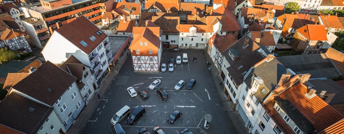 Sliderfoto 5 Platz mit Autos